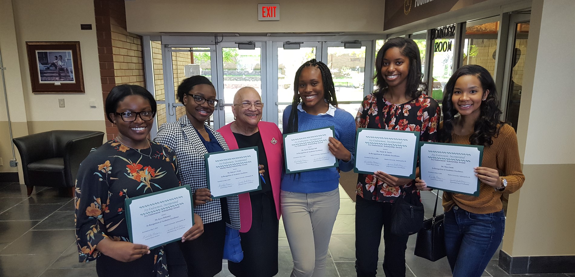 pike students receive scholarships